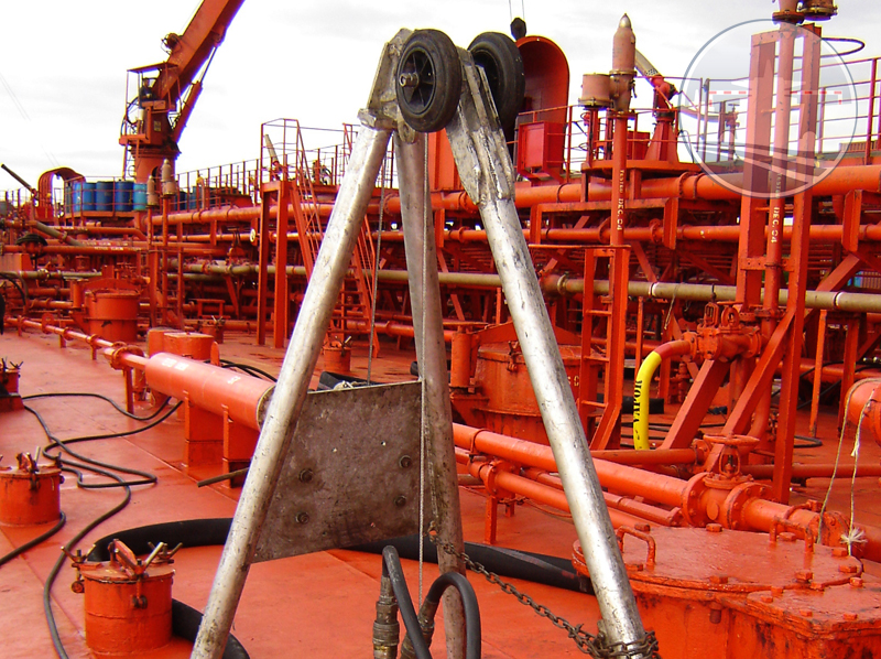mariflex-liquid-cargo-handling-equipment-tripod-800px